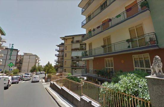 VIA NUOVALUCE-LARGO CARNAZZA, IMPECCABILE 2 VANI POSTO AUTO