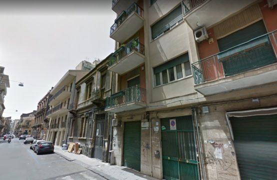 MONSERRATO -CARONDA,ESTERNO LUMINOSO 3 VANI MEZZO+ GARAGE